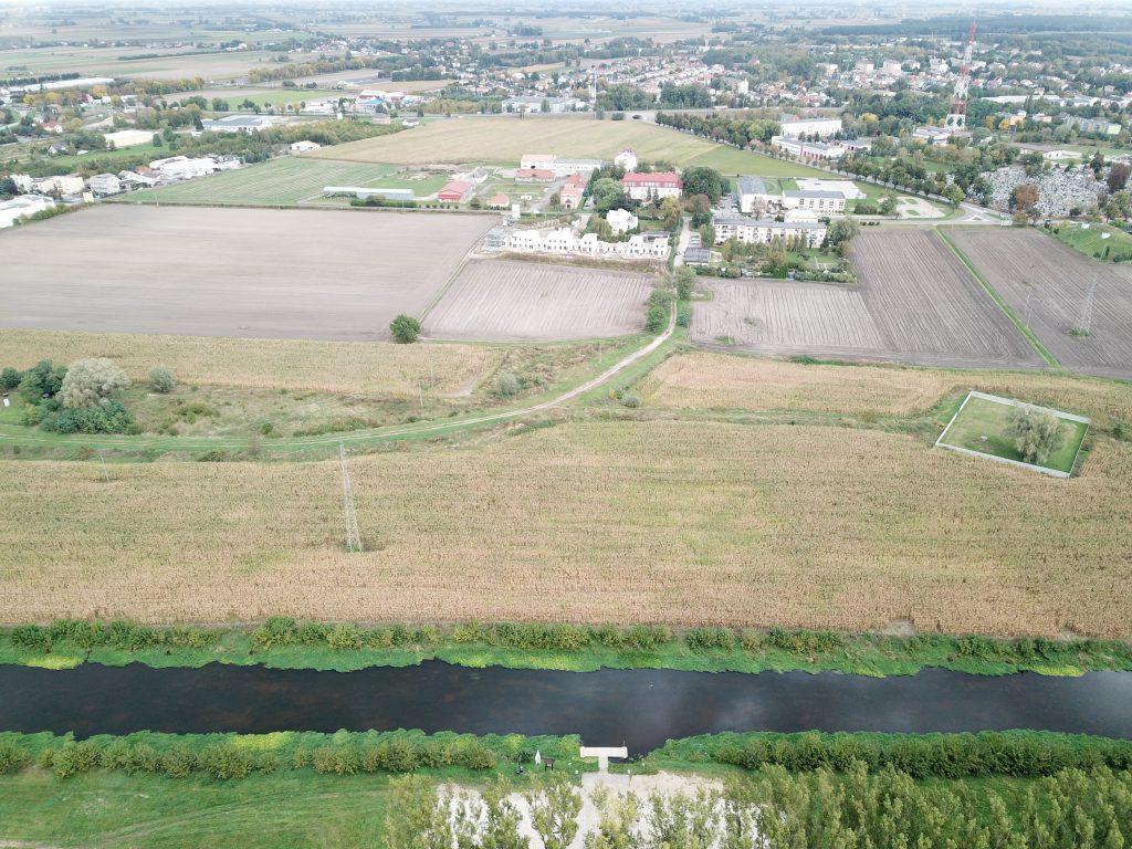 Widok od strony rzeki Bzury